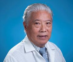 Dr. Efraín Ung Lau